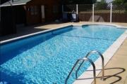 Lauko baseinas su nerudijančio plieno kopetėlėmis