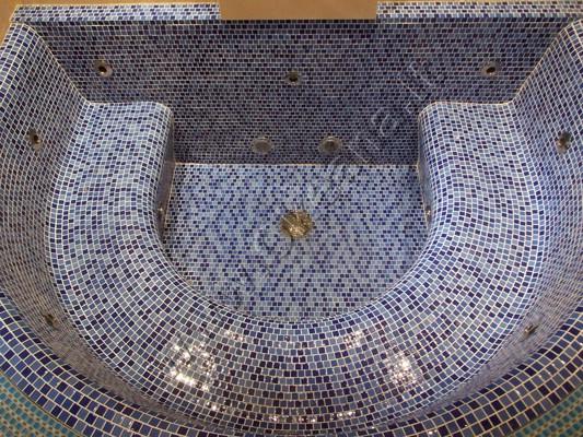 Betoninis SPA baseinas su mozaika